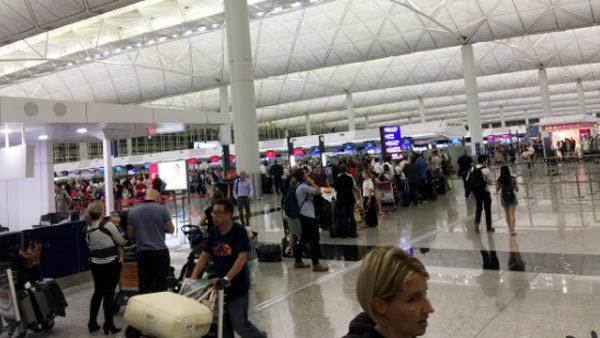 lỗi máy tính, hãng hàng không, sân bay