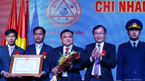 Yến sào Khánh Hòa nhận Huân chương Lao động hạng ba