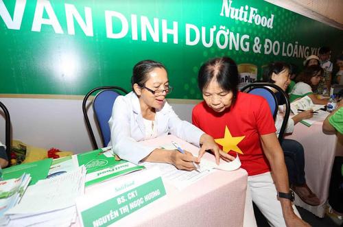 NutiFood khám sức khỏe miễn phí cho hơn 200 người cao tuổi