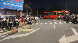 Xe buýt tông loạn xạ trên quốc lộ, một người chết