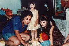 Hình ảnh xưa hiếm thấy của gia đình nghệ sỹ Chí Trung