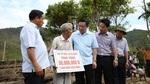 Phó Thủ tướng Vương Đình Huệ động viên nhân dân vùng bão