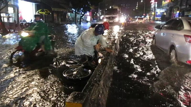 mưa lớn, ngập nặng, Sài Gòn,