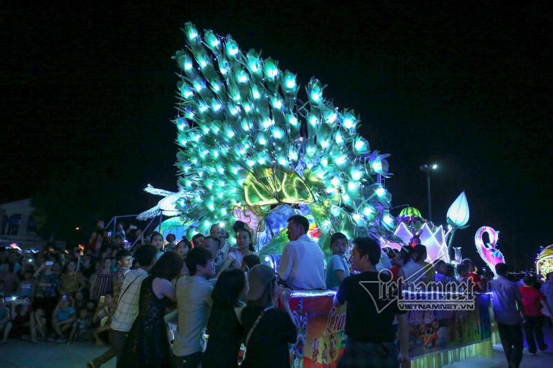 Đèn trung thu khổng lồ, đêm hội Thành Tuyên, Tuyên Quang