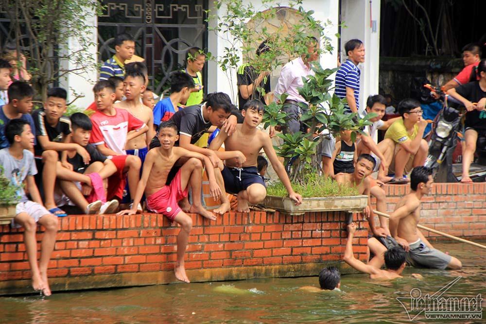 bắt vịt, làng Triều Khúc, Hà Nội