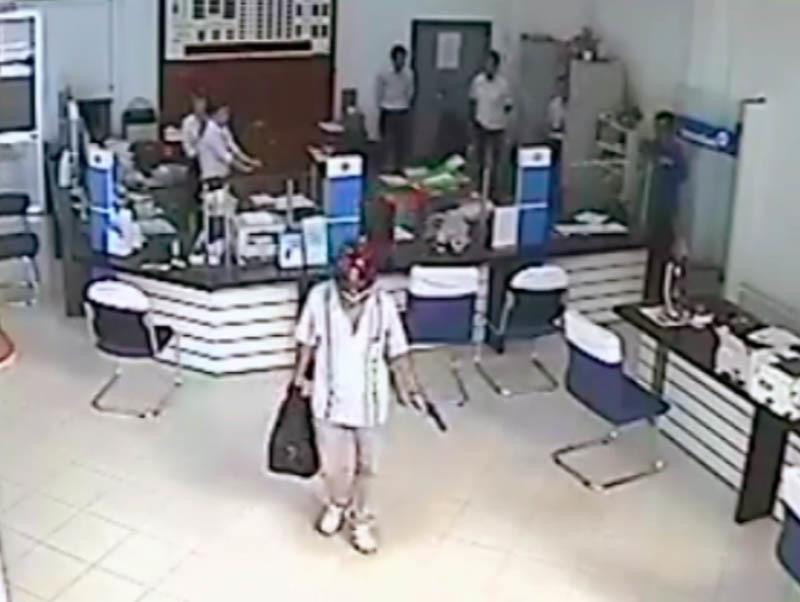 Cướp ngân hàng, Dùng súng cướp ngân hàng, Vĩnh Long
