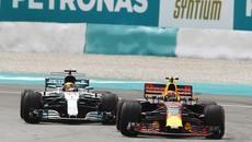 Qua mặt Hamilton, Max Verstappen vô địch Malaysia GP 2017