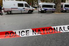 Tấn công bằng dao tại nhà ga Pháp
