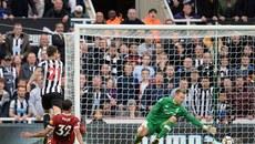 Coutinho vẽ tuyệt phẩm, Liverpool bị cưa điểm đáng tiếc