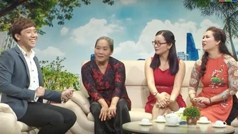 Trấn Thành tặng áo dài cho người phụ nữ làm giúp việc