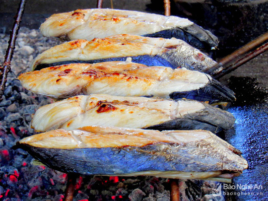 Bí quyết độc đáo của làng nướng cá thu ở Nghệ An