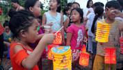 Trung thu rưng rưng nước mắt của trẻ em nơi nghèo nhất Sài Gòn