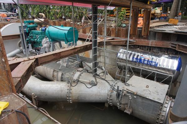 Siêu máy bơm, máy bơm khủng, đường Nguyễn Hữu Cảnh, Sài Gòn, ngập nước