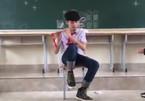 10X Quảng Ninh được cô giáo khen khi thổi sáo trúc 'Em gái mưa'