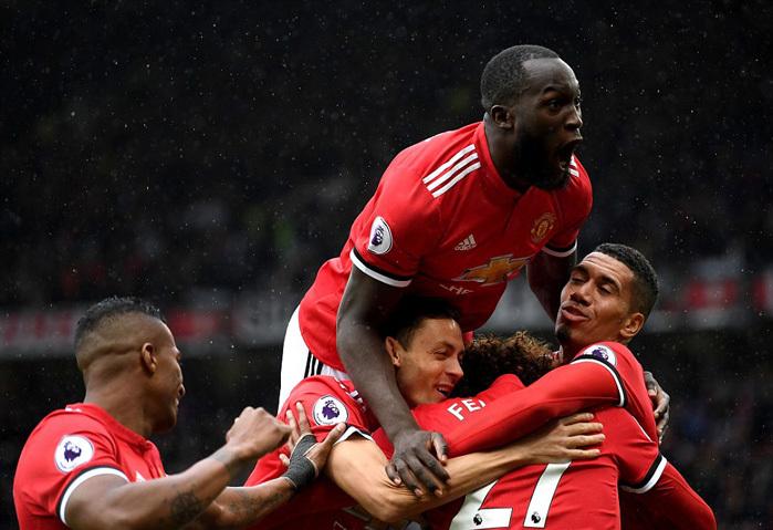 MU: Cạm bẫy và canh bạc của Mourinho