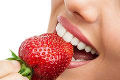 10 mẹo vặt loại bỏ vết ố vàng trên răng