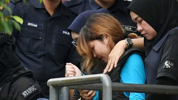 Luật sư bào chữa cho Đoàn Thị Hương tranh tụng tại tòa