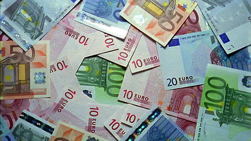 Tỷ giá ngoại tệ ngày 3/10: Châu Âu bất ổn, USD lập tức lên giá