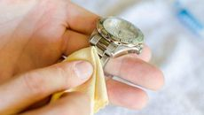 Mách bạn cách bảo quản, giữ gìn đồng hồ được bền đẹp