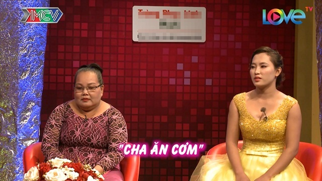 Nàng dâu tặng mẹ chồng dây chuyền vàng trên truyền hình để xin lỗi