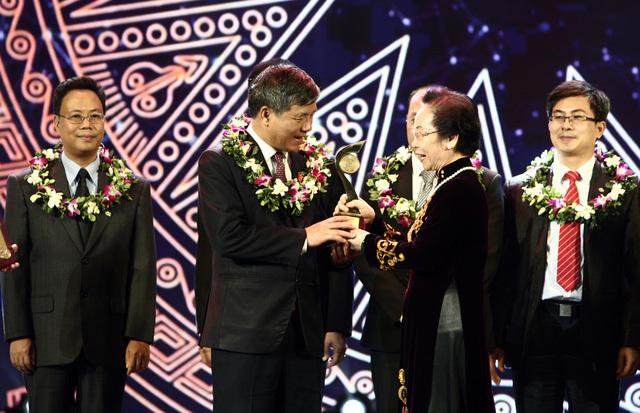 Cuộc chia tay xúc động với GS.TS Nguyễn Anh Trí về hưu