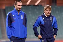 Chelsea chờ ký Chiellini, Arsenal để Sanchez sang PSG