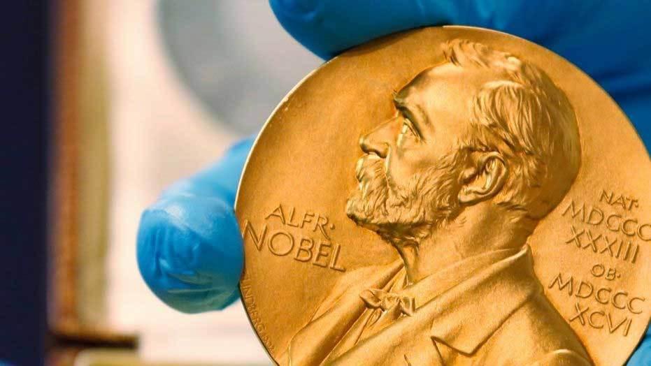 Sóng hấp dẫn giành giải Nobel Vật lý