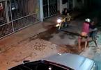 Kẻ cướp thành nạn nhân: Trận 'mưa đòn' kinh hãi