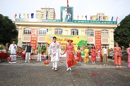 Học sinh trải nghiệm kỹ năng sống trong Lễ hội Trung thu