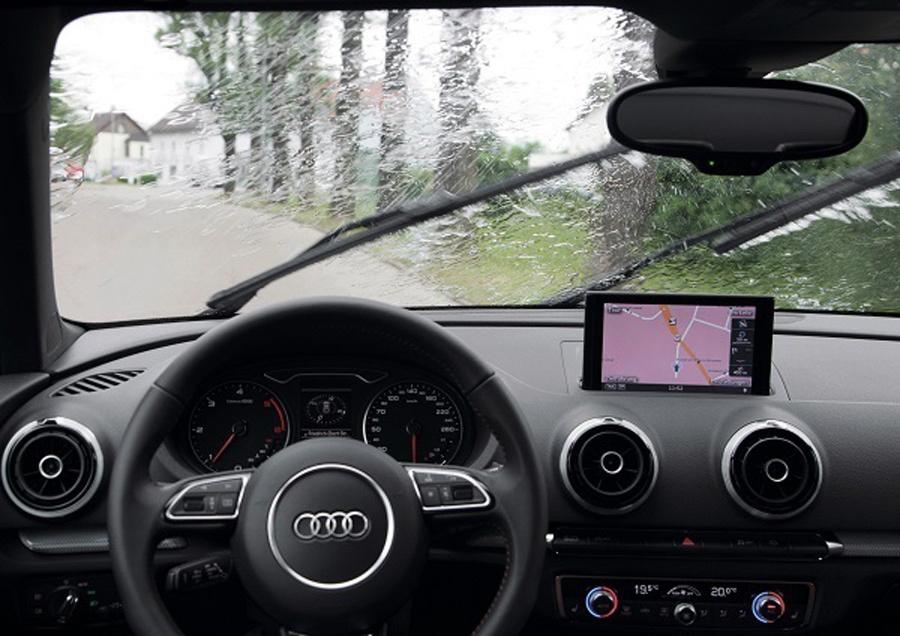 lái xe trời mưa, kỹ năng lái xe, bảo dưỡng ô tô