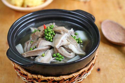 Món ngon: lẩu bao tử hầm tiêu xanh