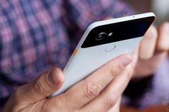 Google Pixel 2 XL cháy hàng 3 tiếng sau ra mắt