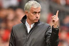 Mourinho cảnh báo MU, Arsenal bán gấp Sanchez