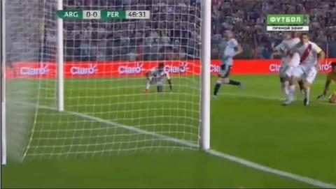 Argentina 0-0 Peru: Messi sút trúng cột dọc
