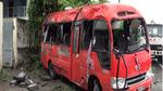 Xe khách đâm cột điện, 2 người chết