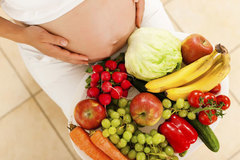 Hành động nào của mẹ sẽ khiến thai nhi bị suy dinh dưỡng?