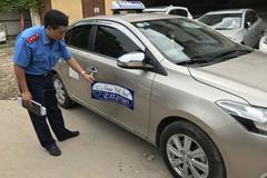 Kết đắng cho taxi dù 'chặt chém' khách Tây ra Nội Bài