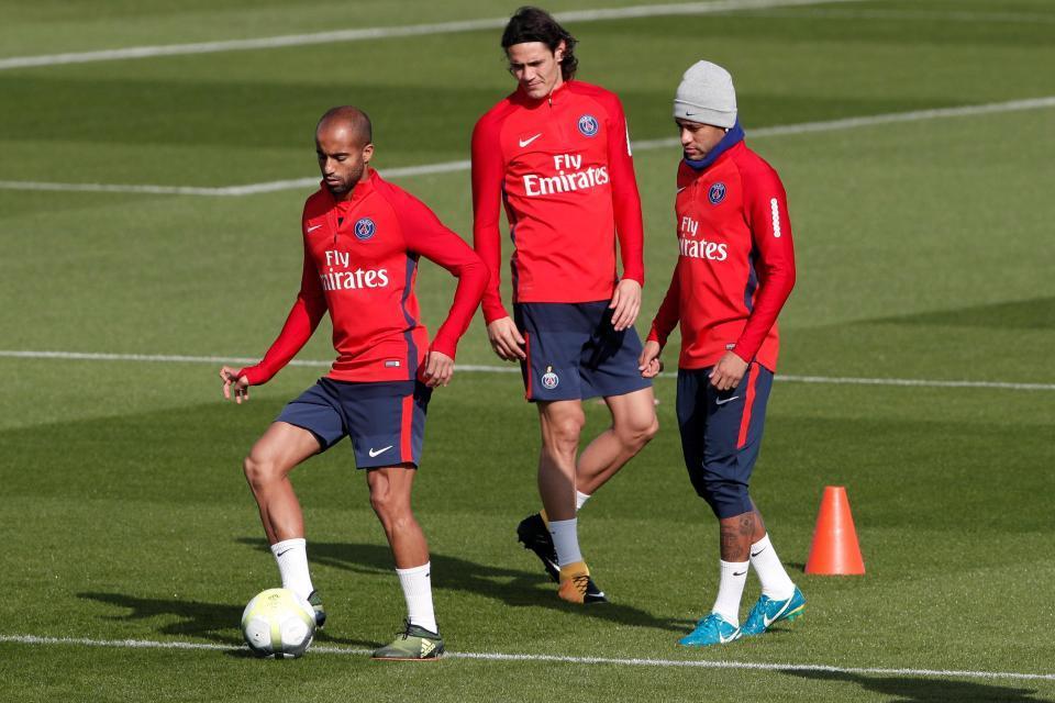 MU, Blind, PSG, Lucas Moura, Chelsea, Hazard, Courtois