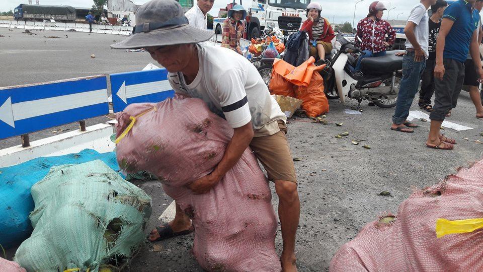 lật xe container, cảnh sát giao thông, tai nạn giao thông, Hà Tĩnh