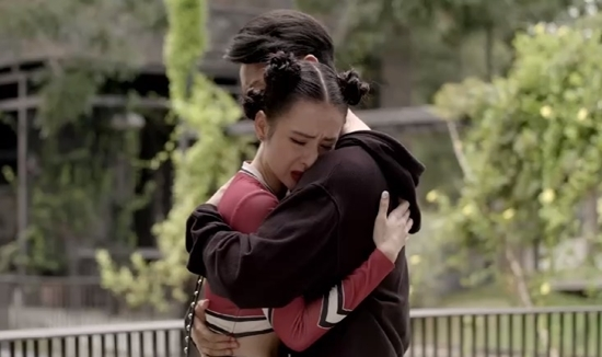 'Glee' tập 7: Phương Trinh khủng hoảng vì đứa con chưa chào đời