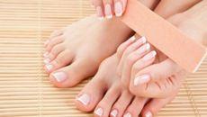 Cách chăm sóc, sửa móng chân không cần dùng nước