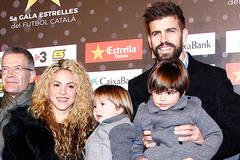 Pique chia tay Shakira: Lạc nhau giữa cơn mê