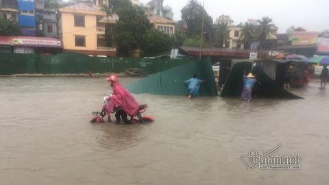 Hạ Long ngập lụt