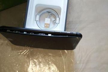Thêm nhiều vụ phồng pin iPhone 8 Plus