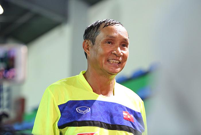 HLV Mai Đức Chung hé lộ đội hình, lối chơi: Ngán gì Campuchia!