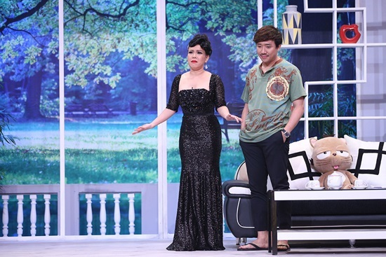 Việt Hương ngậm ngùi chấp nhận lời li dị của Trấn Thành