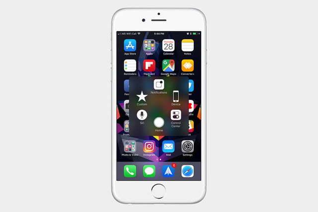 Apple cố ý làm chậm iPhone cũ để bán iPhone mới?