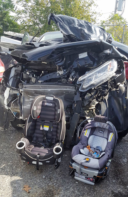 Hãy cho trẻ em ngồi ghế an toàn, sự cần thiết khi lái xe