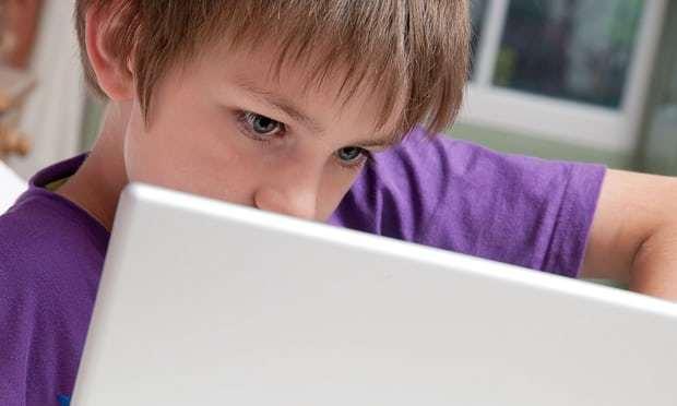 mạng xã hội, thông tin giả, năng lực toàn cầu