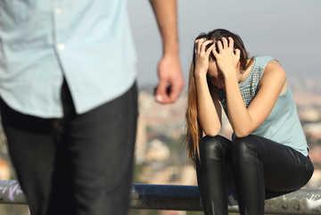 Vợ đang mang thai, chồng ngoại tình không có quyền đòi ly hôn